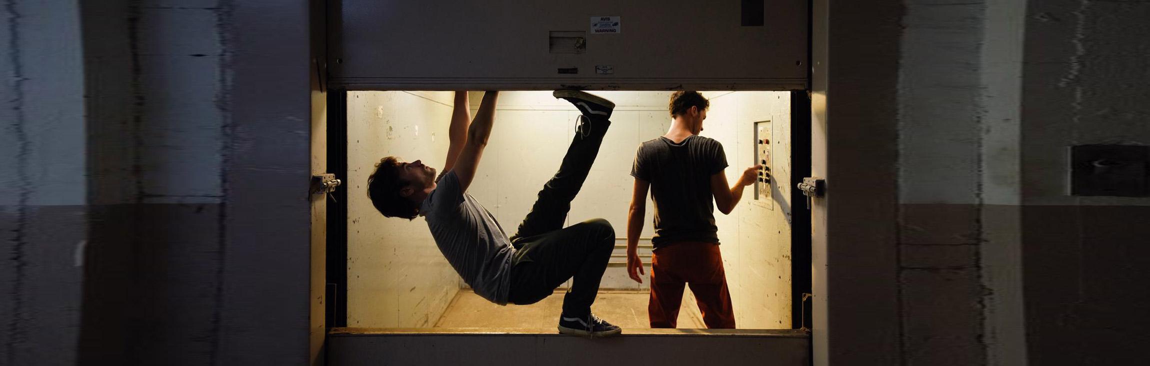 Danse contemporaine plus rythmique ?